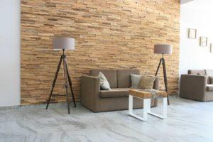 Wandverkleidung aus Naturstein & Holz